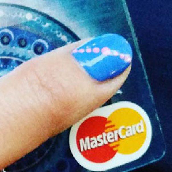 Már bankkártyával is fizethetnek futárjainknál a címzettek